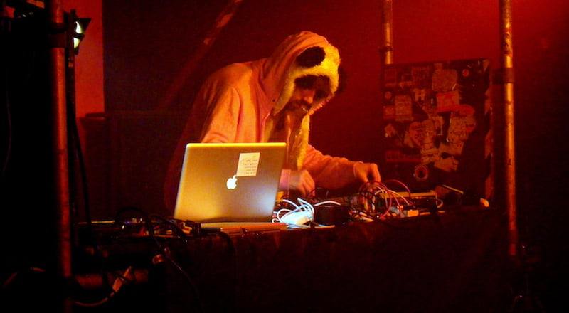 Gold Panda, Sŵn Festival 2009, Mike Mantin