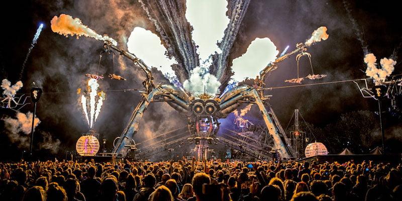 Arcadia spider, Glastonbury, Luke Taylor