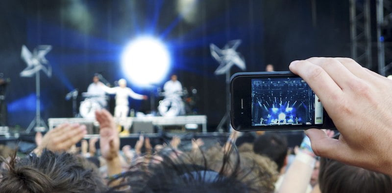 Phone filming, Robyn, Way Out West 2011, The Hamster Factor, Nielsen Instagram study