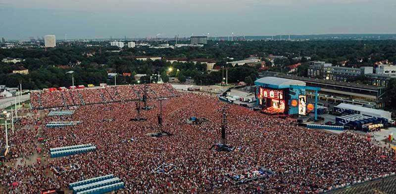 Ed Sheeran playing Hamburg on his ÷ tour
