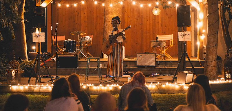 Bee Bakare plays a Sofar show in Los Angeles in 2018