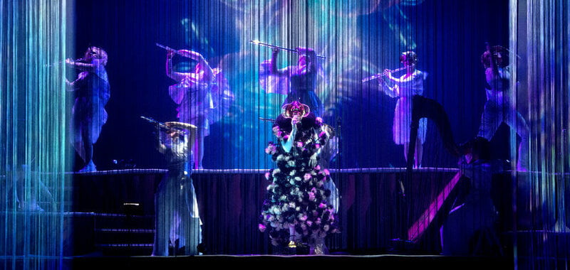 Björk to perform to live audience in August