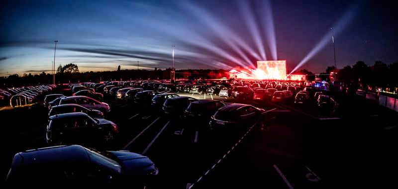 D.Live drive-ins attract 100,000 fans
