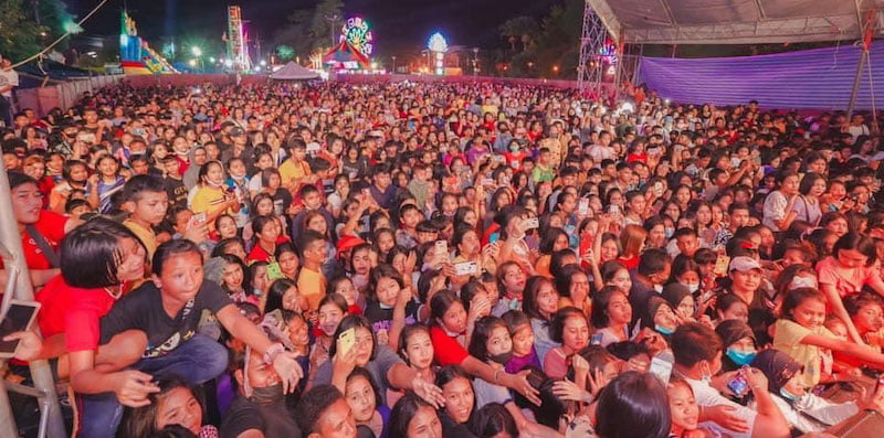 Thai social media users posted pictures from the packed Jenny concert