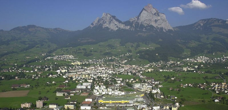 The rate of positive tests in Schwyz has gone from 30% to 50% according to local hospital chief