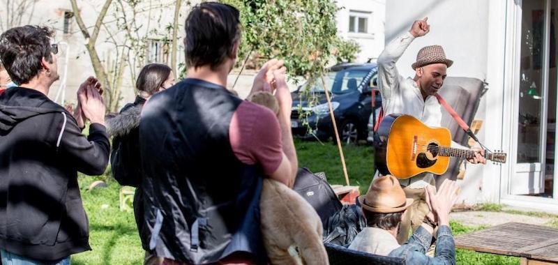 Davy Kilembé took part in the 'Delivreznoo' initiative