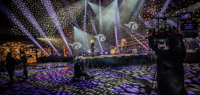 Froukje performs to a near-empty Oosterpoort at ESNS 2021