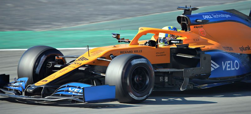 BAT currently advertises its Velo and Vuse products on the McLaren MCL35M