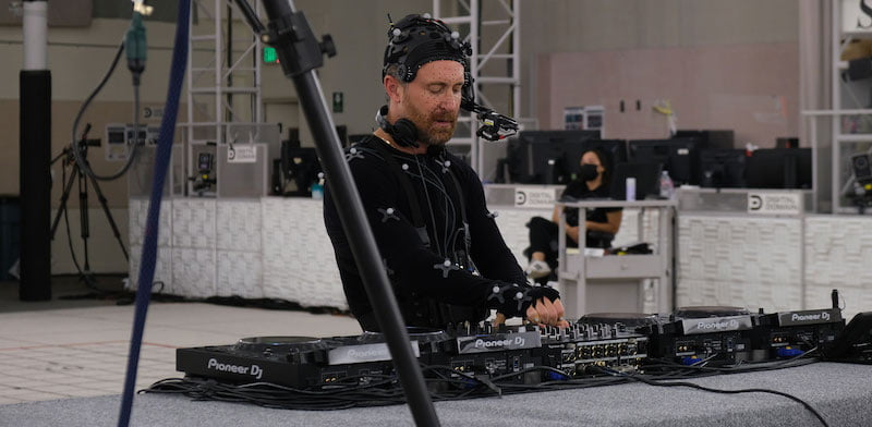 David Guetta working on his virtual concert for Stage11